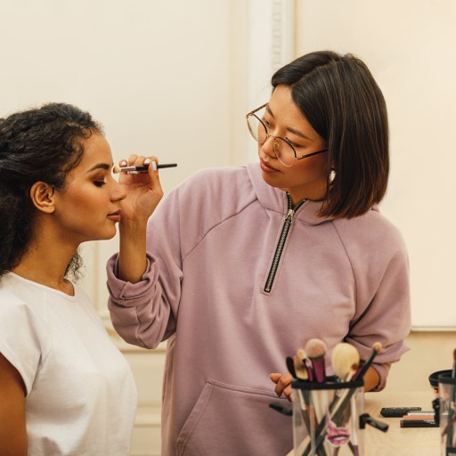 Here's Where You Can Get Your Prom Makeup Done So You Can Focus on Having Fun